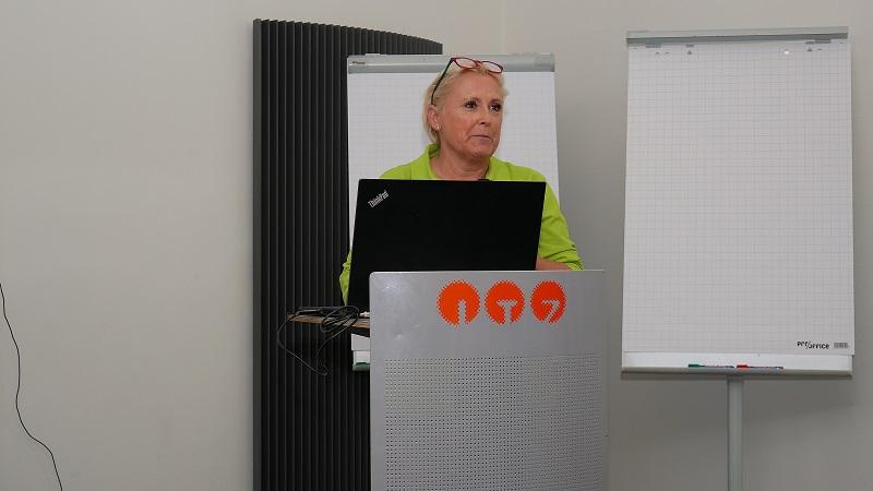 5.Waldbademeisterin: Stephanie Schäfer ist die 1. Zertifizierte Waldbademeisterin in Fulda. Foto: Michael Kiel – Region Fulda GmbH