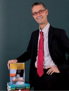 Torsten Schwarz mit seinen Publikationen