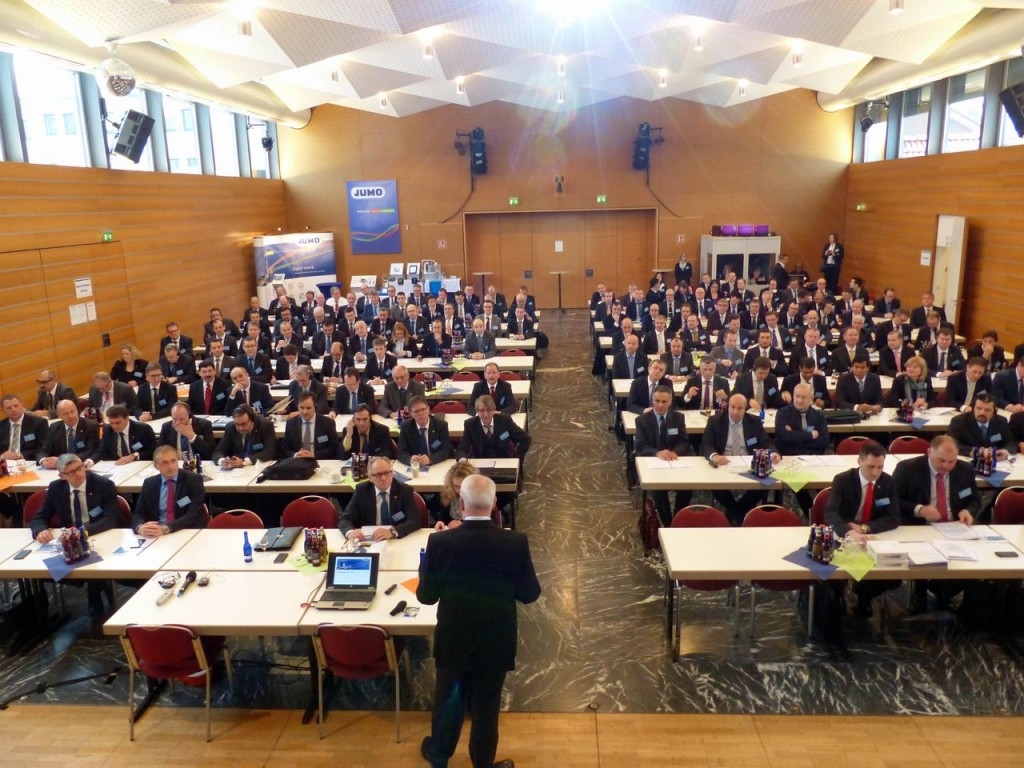 Mitarbeiterinnen und Mitarbeiter aus 31 Ländern konnten im Probsteihaus Petersberg zu den International Sales Meetings 2016 begrüßt werden.