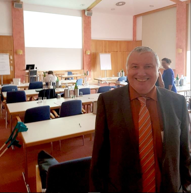 Peter Wolff im Konferenzhotel in der Steiermark