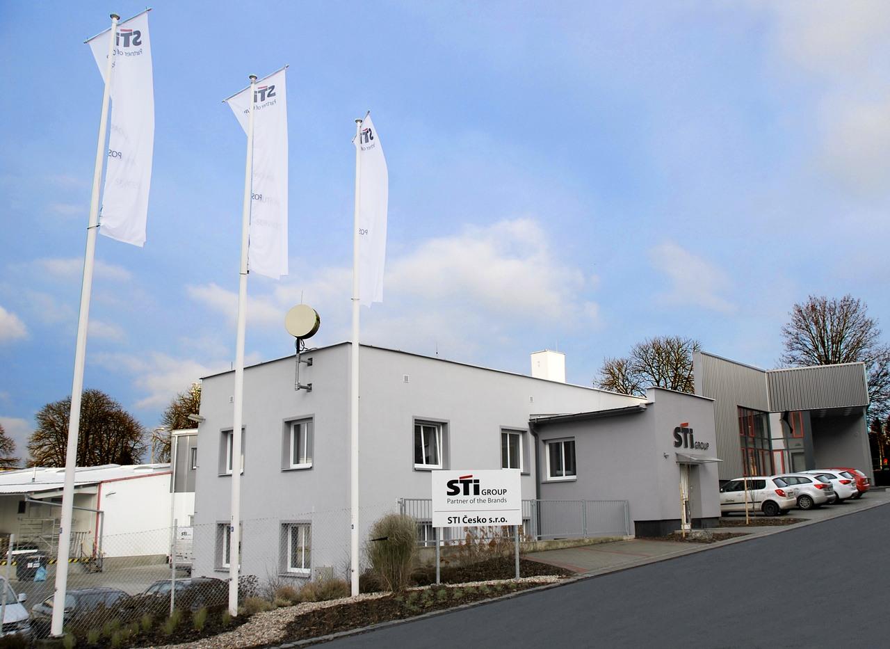 Um rund 2000qm wurde die Produktionsfläche des tschechischen STI Group-Werks erweitert.
