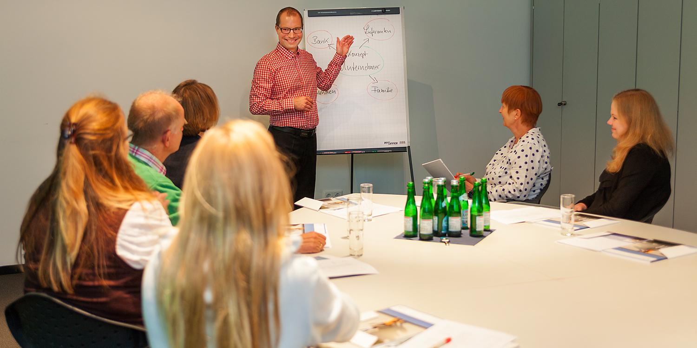 Handwerkskammer bietet betriebswirtschaftliche Beratung für Gründer an.