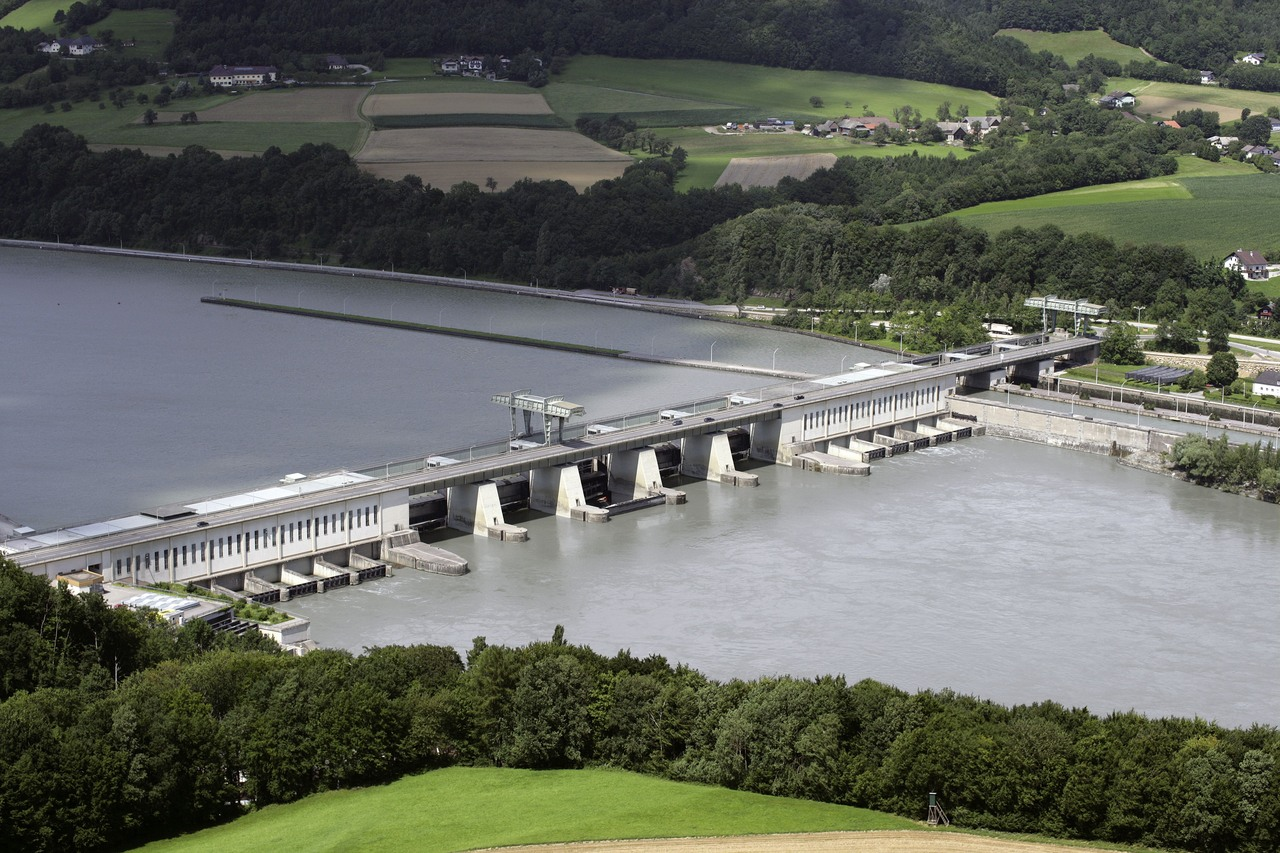100 Prozent Wasserwerk: Der Ökostrom der RhönEnergie Fulda stammt aus dem österreichischen Kraftwerk Ybbs-Persenbeug an der Donau. Foto: ©VERBUND