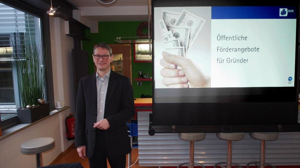 Martin Räth von der IHK Fulda referierte über die öffentlichen Fördermöglichkeiten für Gründer.