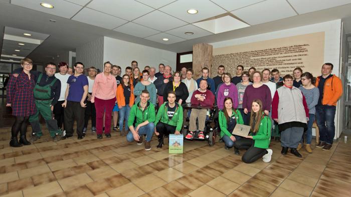 14 JUMO-Auszubildende organisierten im Rahmen eines Sozialprojekts einen gemeinsamen Tag mit Mitarbeiter/-innen der Caritas Werkstätten.