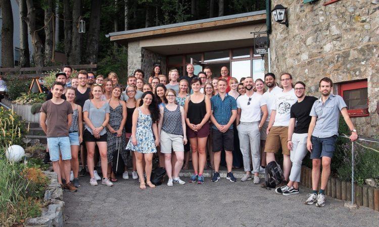 Gruppenfoto am Fuldaer Haus – Foto: Region Fulda GmbH, Michael Kiel