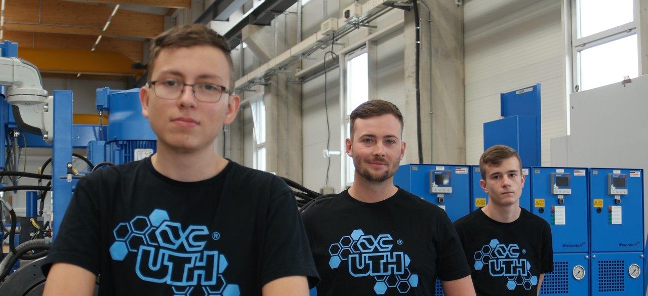 Fuldaer Maschinenbauunternehmen begrüßt zwei Auszubildende und zwei FOS-Praktikanten