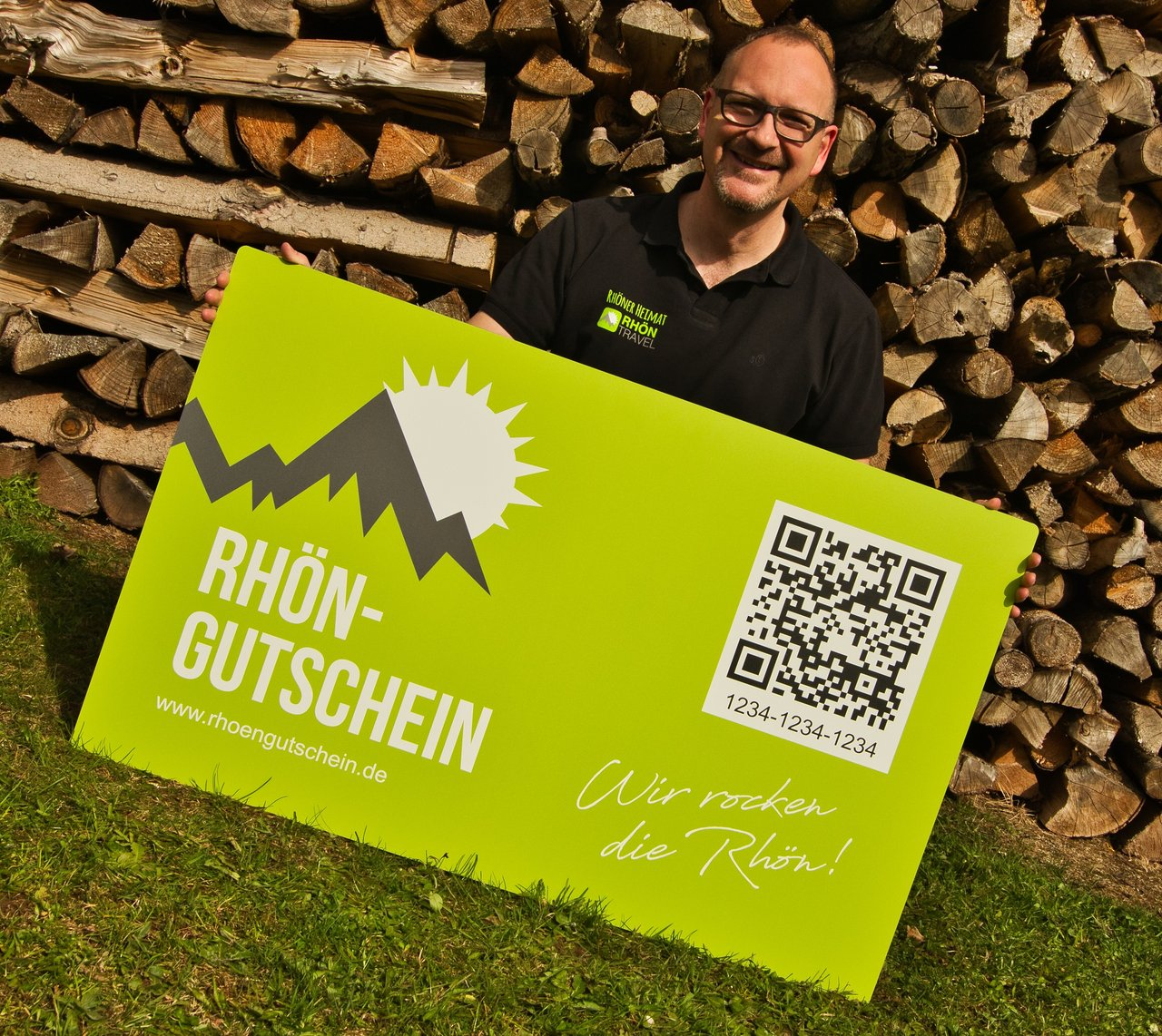 Steffen Dietrich mit seinem Gutschein